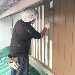 溝のある外壁塗装の仕方塗り方