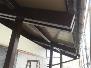 水性シリコンで塗装した木部軒天破風枠まわり