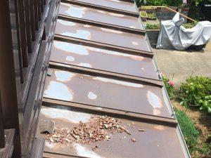トタン板の下地調整こする処理