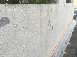 ブロック塀の塗り替えの下地処理1