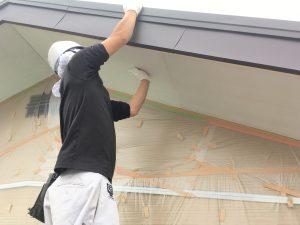 軒天井を塗るこするケイカル板1
