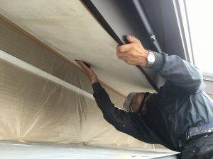 軒天井を塗るこするケイカル板2